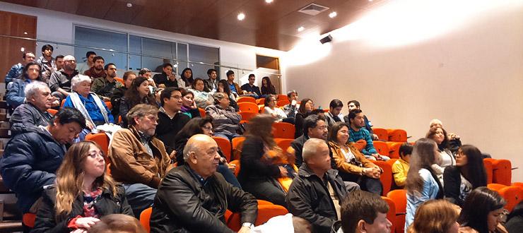 """Antofagastinos celebran el estreno de la serie """"Antofagasta Mira al Mar"""""""