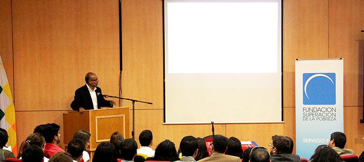 FUSUPO entrega reconocimiento a la labor cultural del CNTV en Tarapacá